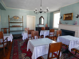 Partridge House Vermont dining room